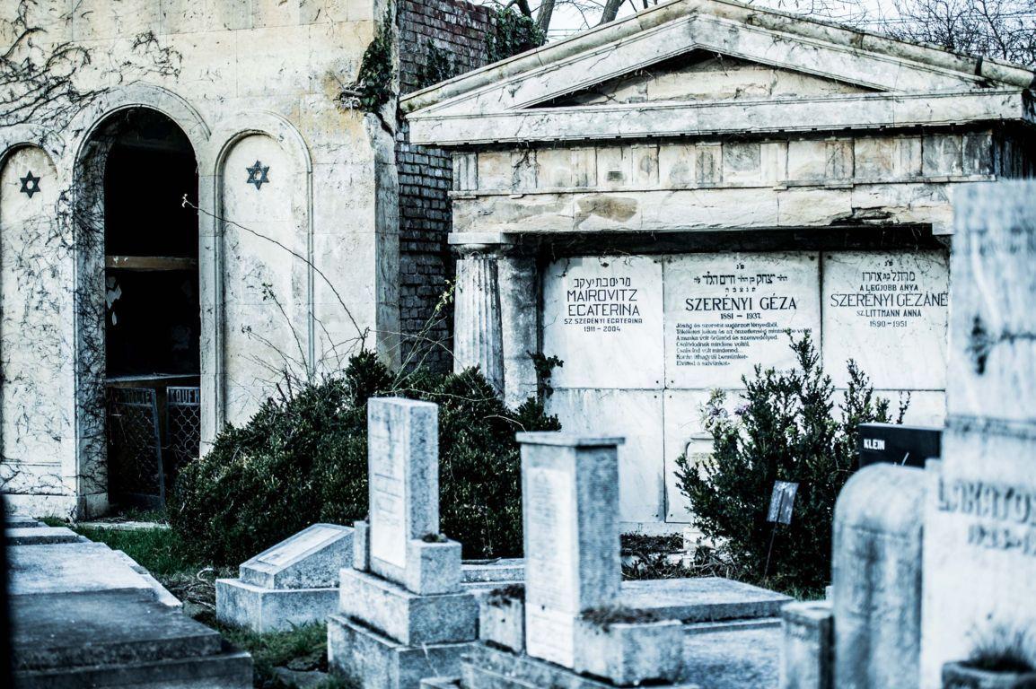 cimitir documentar